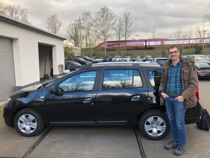 Dacia Logan MCV Comfort Perlmutt Schwarz