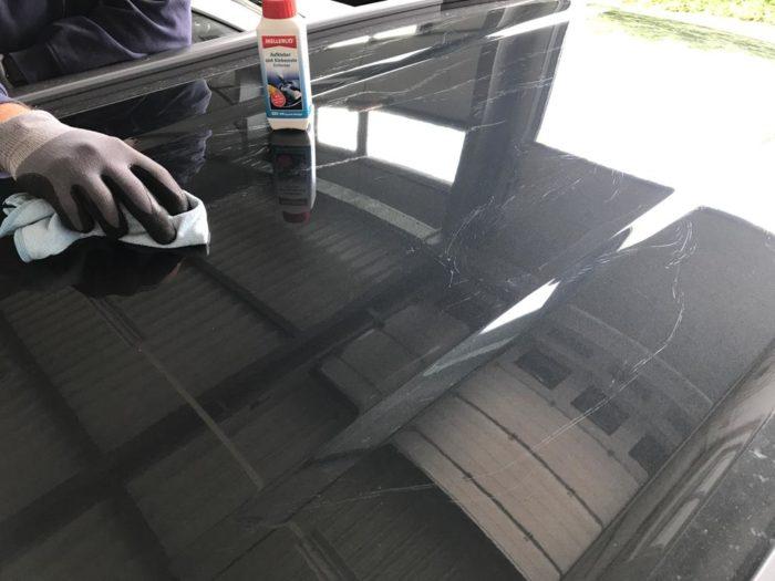 Neuwagenaufbereitung Klebereste Folie entfernen