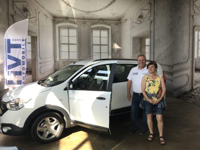 Dacia Lodgy TCe 130 GPF Stepway 7-Sitzer Arktis weiß