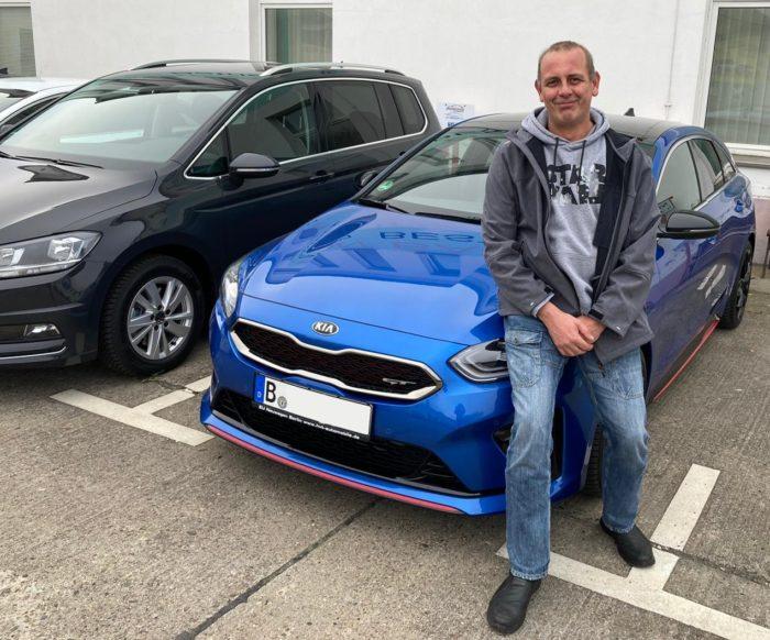 Kia Proceed GT Blue Flame Metallic