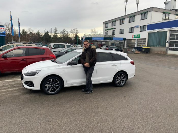 Hyundai i30 Kombi polar white