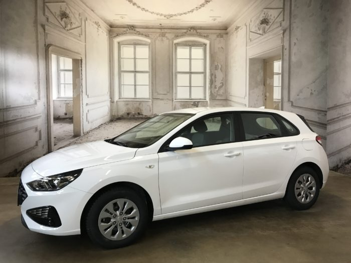 Hyundai i30 5-Türer CVVT Pure Plus Polar white