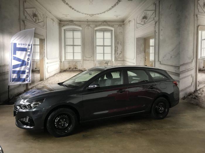 Hyundai i30 Kombi 1.0 T-GDI Select Dark Knight Mineraleffekt