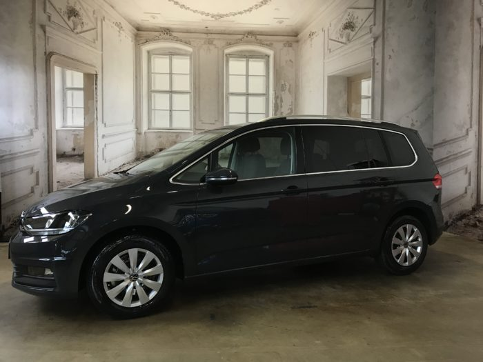 VW Touran MJ 2021 1.5 TSI EVO Comfortline Uranograu uni