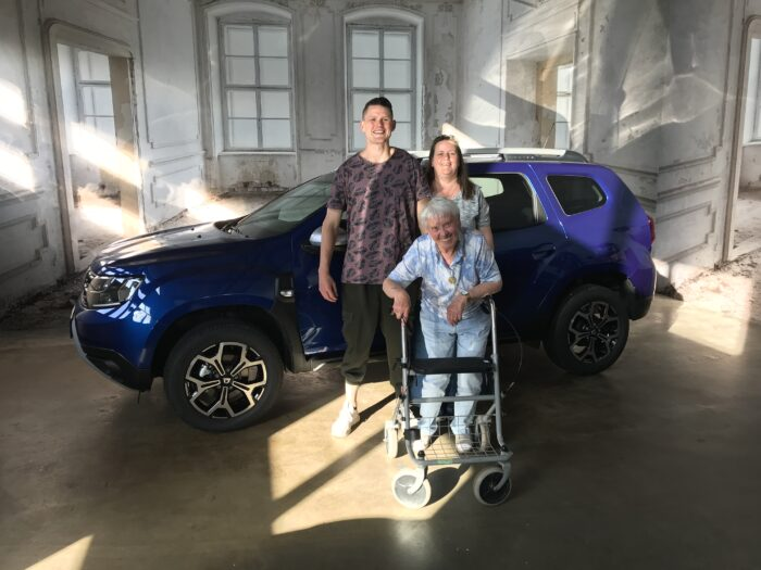 Dacia Duster TCe 100 LPG Preistige Iron blau